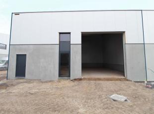Splinternieuwe KMO-unitvan 159 m² te koop. Fantastische ligging nabij de E17 te Nazareth. Ideaal geschikt voor opslag / productie / atelier. De o