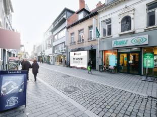 Dit uiterst commercieel gelegen handelspand  bevindt zich in het commercieel hart van Lier. DE Antwerpsestraat. Met een vloeroppervlakte van ca. 558 m