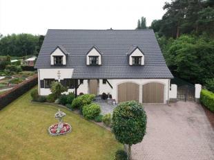 Bijzondere villa met een prachtig uitzicht over de mooi onderhouden siertuin, vlakbij het centrum van Haacht . De villa beschikt over een ruime keuken