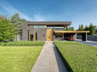 Prachtige, door Hertroijs Architecten ontworpen, moderne nieuwbouwvilla in residentiële omgeving op perceel van ca. 1.500 m² met verwarmd bu