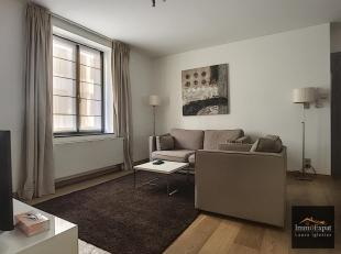 In 1000 Brussels,  Quartier SABLON, on Van Moer street, on the 1st floor of a 3-storey building with elevator, FURNISHED apartment of +/- 80 sqm compo