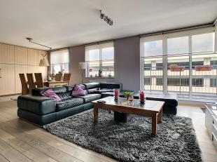 At 1000 Brussels, Rue aux Choux, on the 6 and 7th floor of a 7 floors building with elevator, 2 bedrooms Duplex/Penthouse of +/- 150 sqm composed as f