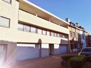 STOCKEL - DUPLEX 125m² composé :<br /> 4 chambres<br /> 1 living + salle à manger +- 45m²<br /> 1 cuisine hyper-équip&e