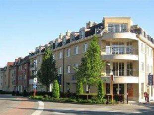 Prachtig<br />  gelijkvloers appartement<br />  van<br />  110m²<br />  in een luxe<br />  gebouw met<br /> :<br /> -<br />  2<br />  slaapkamers