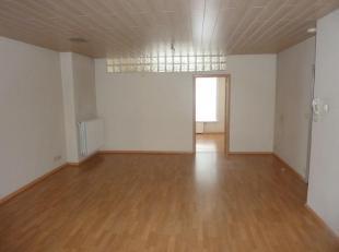 Merksem : Bredabaan 178/3 : mooi en gezellig appartement met living, 1 slaapkamer, geïnstalleerde keuken met ijskast, keramisch vuur, dampkap, ba