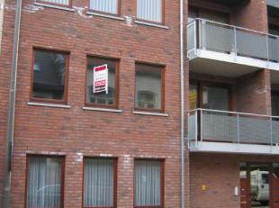 Lommel : Lepelstraat 59a : gezellig appartement met ruime living, geïnstalleerde keuken, badkamer met ligbad, aparte wc, 2 slaapkamers, wasplaats