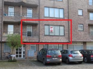 Mol : Bossestraat 2 b 3 : gunstig gelegen appartement met lift op een eerste verdieping met ruime woonkamer, geïnstalleerde keuken met bergplaats