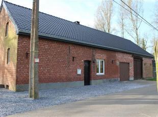 Betreft: Hoeve zeer rustig gelegen Veerle-Heide 30 te Veerle-Laakdal. Indeling: op het gelijkvloers bevindt zich een keuken, living, aparte eetkamer,