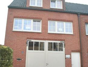 Karaktervolle belle-étage woning gelegen nabij het centrum van Mol, op het gelijkvloers bestaande uit: zéér ruime garage met toeg