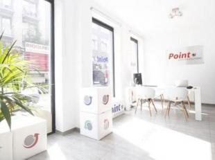 Winkel/kantoorruimte te huur gelegen in de Kribbestraat, een toplocatie nabij 't Eilandje, een bruisende buurt in het centrum van Antwerpen, nabij het