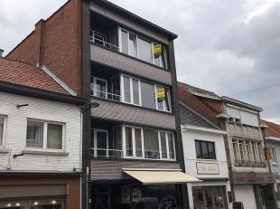 Appartement van 89 m² met 2 slaapkamers in Tessenderlo.Het appartement bestaat uit een ruime leefruimte en aparte ingerichte keuken. Tevens vindt