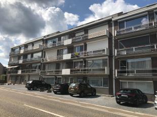 Gezellig appartement van 119 m² in Tessenderlo. Via de lift bereikt u het appartement op de tweede verdieping. U komt binnen in de inkomhal met a