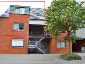 Ruim en verzorgd appartement met 3 slaapkamers te Geel-Zammel.<br /> <br /> Gelegen op de 1ste verdieping in een gebouw met 4 appartementen. <br /> <b