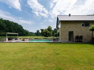 In het kasteeldomein Kattenhof treft u domein de Catershoek, een park van ± 2,5 ha. Twee luxueuze moderne villa's met een bewoonbare oppervlakt