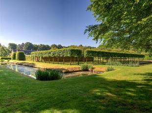 Domein 'La petite Garenne' gelegen in een uniek park van ± 11,7 ha, biedt een oase van rust en privacy. Gelegen nabij het centrum van 's Graven