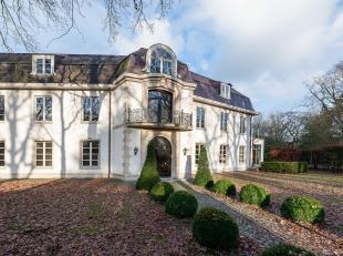 Gelegen in het hart van de wijk Vriesdonk, zonnige villa met ± 907 m² bewoonbare oppervlakte en ± 3.055 m² grond, recent geren
