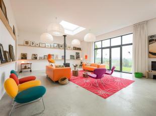 In de glooiende heuvels van Zuid-Limburg ligt een landgoed met een authentieke hoeve, bestaande uit volledig gerenoveerd woonhuis met stallen en graan