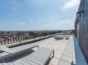 Sur lAvenue Louise, entre le Châtelain et la place Flagey, Penthouse très lumineux de ± 181 m² et ± 55 m² de terr