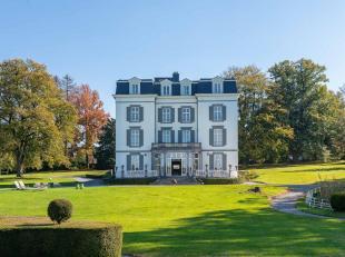 Le Château Charles a été construit en 1843 et offre toujours une vue imprenable sur le parc environnant de ± 4 ha et sur la