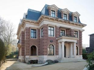 Herenhuis uit 1928 gelegen op de Franklin Rooseveltlaan van de architect Adrien, met een oppervlakte van ± 1500 m ² op een terrein van &pl