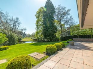 Gelegen in het prachtig onderhouden parkdomein Eikendael, ruim gelijkvloers appartement van ± 250 m² met groot terras van ± 80 m&su