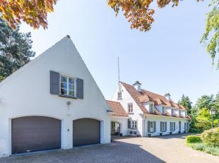 Landelijke ruime villa met bewoonbare oppervlakte van ± 780 m², gelegen in het glooiende landschap van Overijse op een terrein van &plusmn