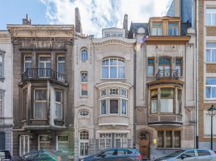 Idéalement située dans une rue résidentielle entre le quartier Brugmann et l'Avenue Albert, maison de l'architecte Paul Hamesse,