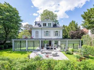 In de buurt van het Ter Kamerenbos, karaktervol familiehuis met hedendaagse elementen, met een tuin van ± 20 are en een bewoonbare oppervlakte