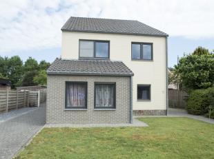 Ruime en energiezuinige woning met 5 slaapkamers en 2 badkamers op een terrein van 7a98ca, gelegen in de Schansweg te Kaulille, op wandelafstand van h