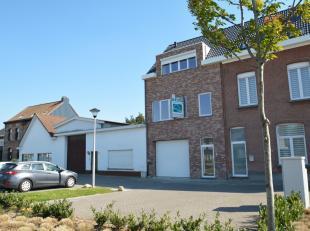 Polyvalente nieuwbouw bestaande uit een duplex appartement met 3 slaapkamers en een magazijn (circa 90 m²) gelegen op een centrale locatie te Boe