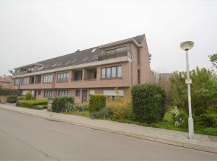 Instapklaar appartement (95 m²) met veel lichtinval (type half open bebouwing) op de eerste verdieping van een kleinschalig gebouw, gelegen in ee