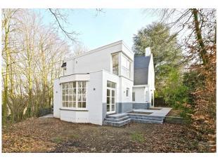 Proche parc de Wolvendael, maison entièrement rénovée avec matériaux de qualités, 1ère occup. Située