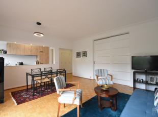 A proximité du Châtelain, lumineux et très agréable appartement au calme de +/- 80 m² meublé avec goût. H