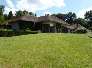 Dans le quartier de l'Arboretum dans une situation très privilégiée en bordure du magnifique golf du Ravenstein Superbe propri&ea