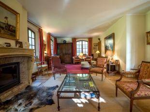 Dans le quartier des 4 Bras, dans une situation calme, en terrain de fond, chaleureuse villa classique 1998 sise sur un terrain privatif de +/- 27ares