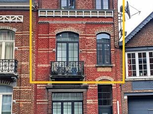 Les lumières de la ville font battre votre coeur ? Découvrez ce bel appartement rénové dans le centre de Namur et proche d