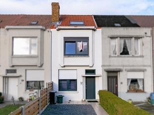 Gezellige, gerenoveerde woning met oprit op centrale ligging.<br /> STARTPRIJS: Elk aanbod boven deze startprijs wordt voorgelegd aan de eigenaars die