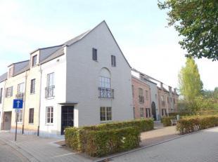 Te koop luxe nieuwbouw appartement met 2 autostaanplaatsen en terras gelegen in het centrum van Pulle nabij winkels en openbaar vervoer. Het geheel be