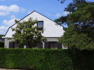 """Residentieel in het groen gelegen villa met kantoorruimte te Kessel / grens Lier in verkaveling """"De Bist"""". Rustig gelegen op ca. 720m². Gelijkvlo"""