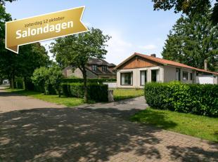 Geniet van de verlengde saloncondities tot en met 26 oktober!<br /> Deze lichtrijke bungalow is gelegen in het pittoreske Sint-Martens-Latem. De liggi