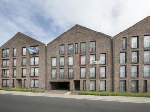 Instapklaar 2 slaapkamer appartement met garage en terras te koop in het centrum van Poperinge, op een boogscheut van de Grote Markt! Dit appartement