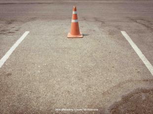 Open autostaanplaatsen te koop in nieuwbouwresidentie 'Nyosa'. <br /> Beschikbaarheid: bij akte na betaling!