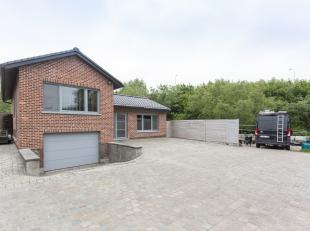 Bijzonder verzorgde woning met opslagplaats aan de rand van het centrum van Kortrijk. (Walle) <br /> Deze villa werd volledig vernieuwd en beschikt ov