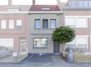 Op zoek naar een instapklare woning?<br /> Dit tof huis te koop te Kortrijk (Bissegem) biedt alles wat je wensen kan. <br /> Gezellige en lichtrijke l