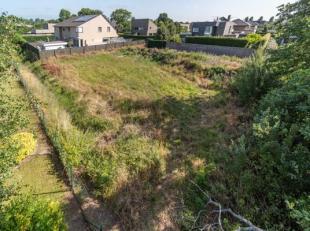 Dit zuidgericht perceel bouwgrond met een oppervlakte van 763m² is residentieel gelegen in een rustige wijk te Oostduinkerke-Dorp. <br /> Het per