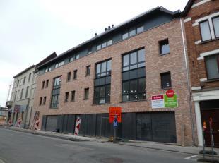 Laatste autostandplaats te koop in residentie Hendrik: centrum Roeselare. <br /> Deze autostandplaats bevindt zich in een afgesloten garagecomplex op