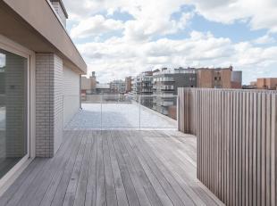 """Nieuwbouw penthouse met 1 slaapkamer en zonnige terrassen voor- en achteraan in de Residentie """"Mid's Azur II"""", in de onmiddellijke nabijheid van winke"""