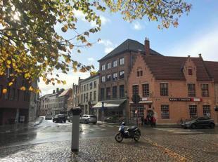 Modern gemeubeld appartement te huur in het centrum van Brugge nabij het Astridpark en de Gentpoort. Het appartement biedt u onder andere 1 slaapkamer