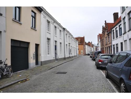 Garage te huur in Brugge, € 75