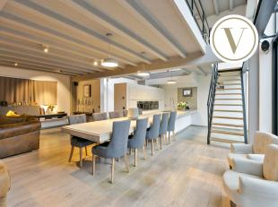 Subliem gerenoveerd huis met tal van mogelijkheden te Assebroek. Dit huis te koop biedt 3/4 slaapkamers, een ruime bar, volledig aangelegde tuin met v